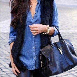 Jackets & Blazers - Black Faux Fur Vest w/pockets.